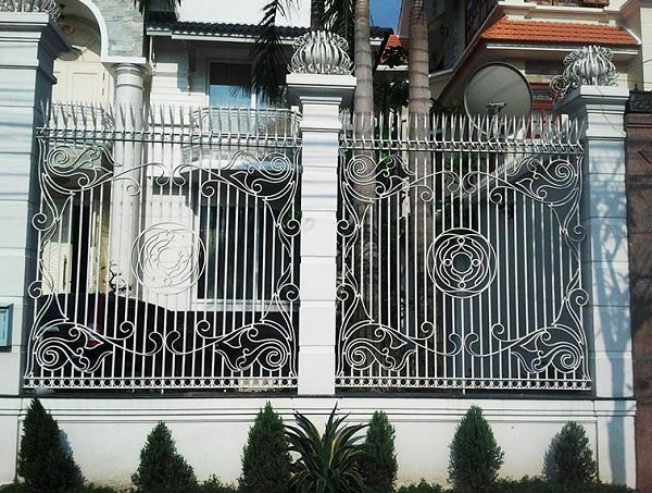 Bộ sưu tập 36 mẫu hàng rào sắt nghệ thuật đẹp