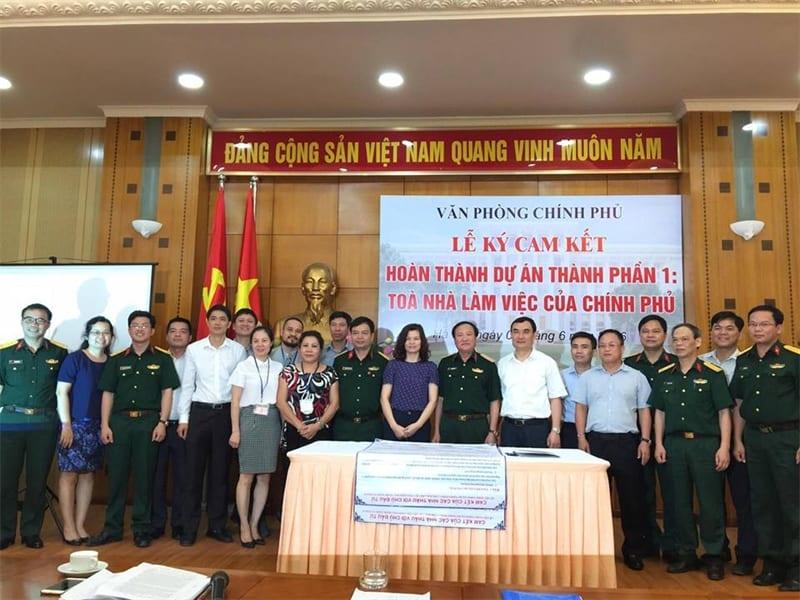 Lễ ký kết một dự án lớn của công ty với chính phủ